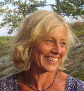 Marrianne Göthling med ett leende av pärlemor och en förmåga att ha mod att möta livet med öppenhet och stort hjärta.