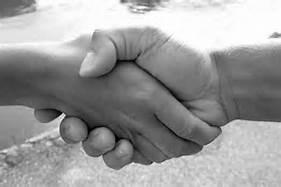 Ett handslag sätter tonen för hur det fortsatta mötet ska bli. Se till att du känner till dina möjligheter.