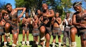 Dans är ett naturligt uttryck för oss, men den har blivit styvmoderligt behandlad i år hundraden i vår kultur.